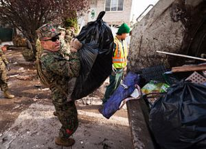 Hurricane_Sandy_Marine_hoists_in_Staten_Island,_N.Y.